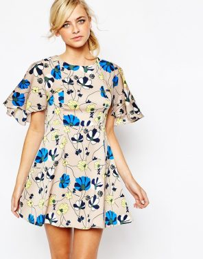 Dahlia geblümtes Kleid